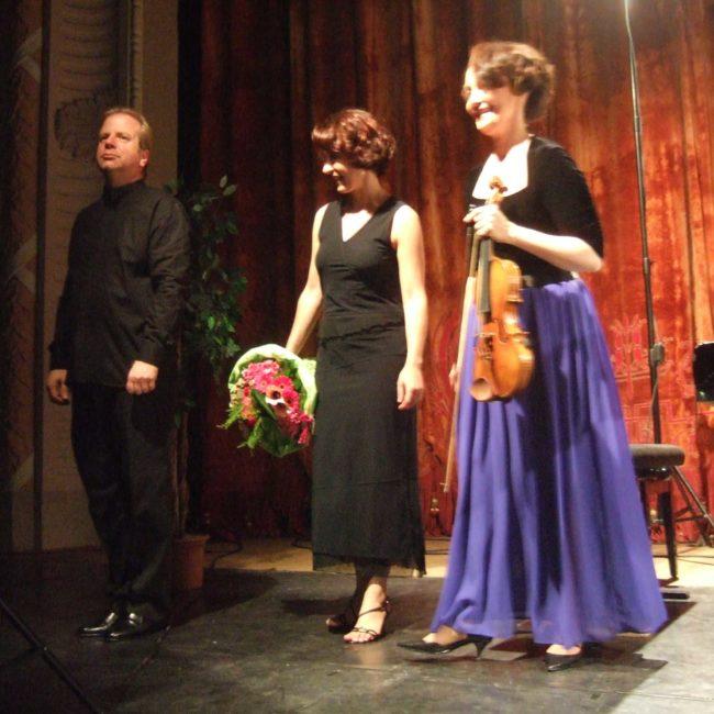 Denis Simán,dy, Carole Carniel et Gaëtanne Prouvost